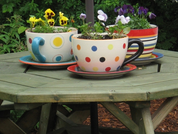 reuse teacups ideas colorful flower table centerpieces backyard decoration