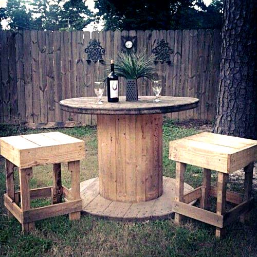 wooden cable spool table wooden chairs repurposed diy backyard creative ideas