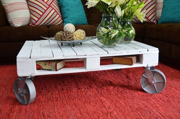 diy pallet project for coffee table book holes plastic removable wheels vases red carpet
