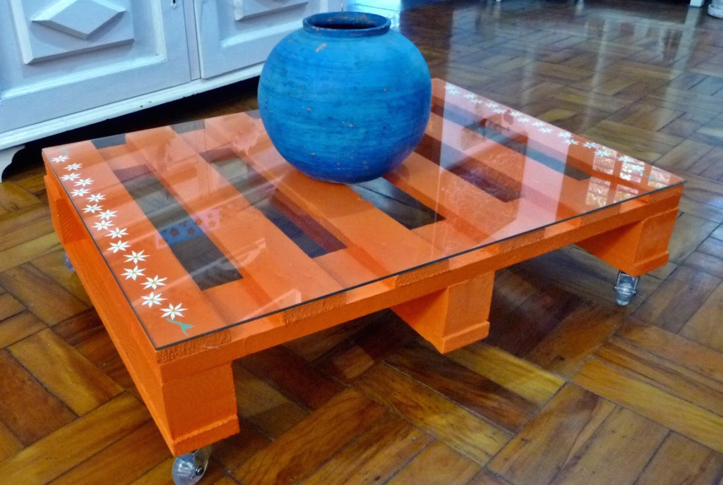 22 upcycling pallet table ideas for your garden or living room on Pallets Design Ideas  id=71376