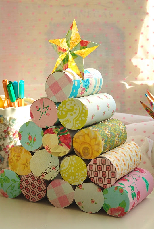 christmas crafts for kids upcycle old toilet paper roll christmas tree with star decorating ideas