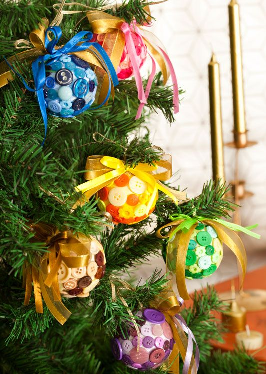 christmas diy tree balls craft ornaments ideas from sewing buttons with colorful ribbons