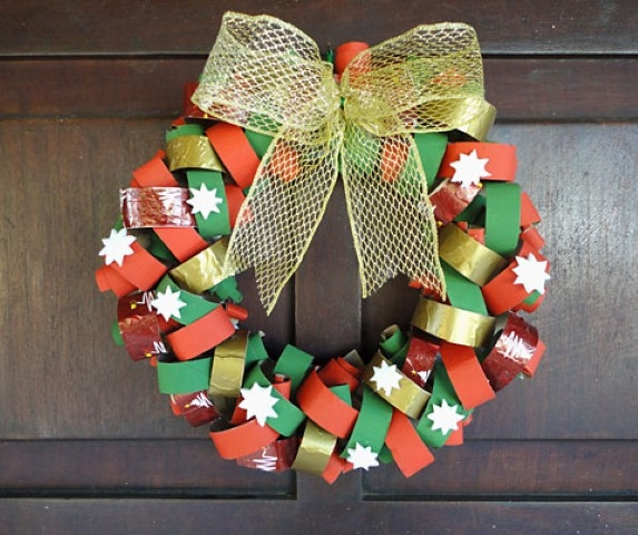 christmas wreath from reused toilet paper rolls home decorating ideas