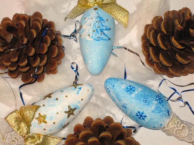 fir cone glitter powdered unwanted bulbs christmas decoration cheap idea