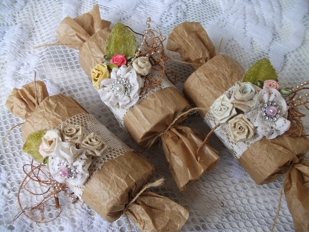 candy poppers for valentines day decorations using empty toilet paper rolls upcycling ideas