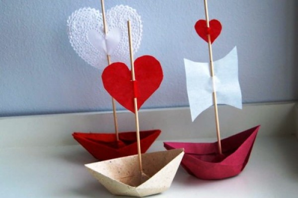 valentines day love boats diy easy crafts from reused paper adorable decoration