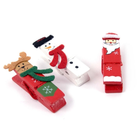 reused red white clothespins christmas tree decor ideas snowman reindeer