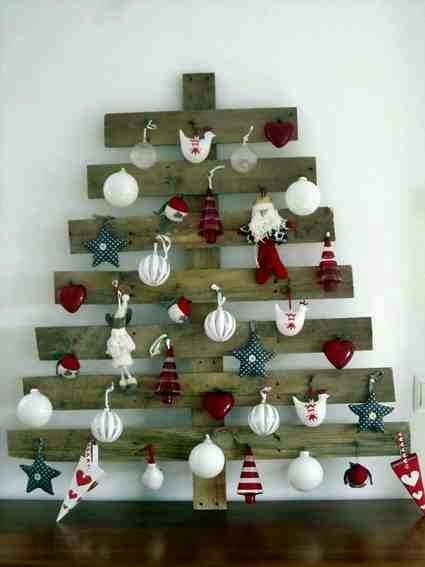 alternative christmas wooden tree pallet christmas toys ornaments wall hanging