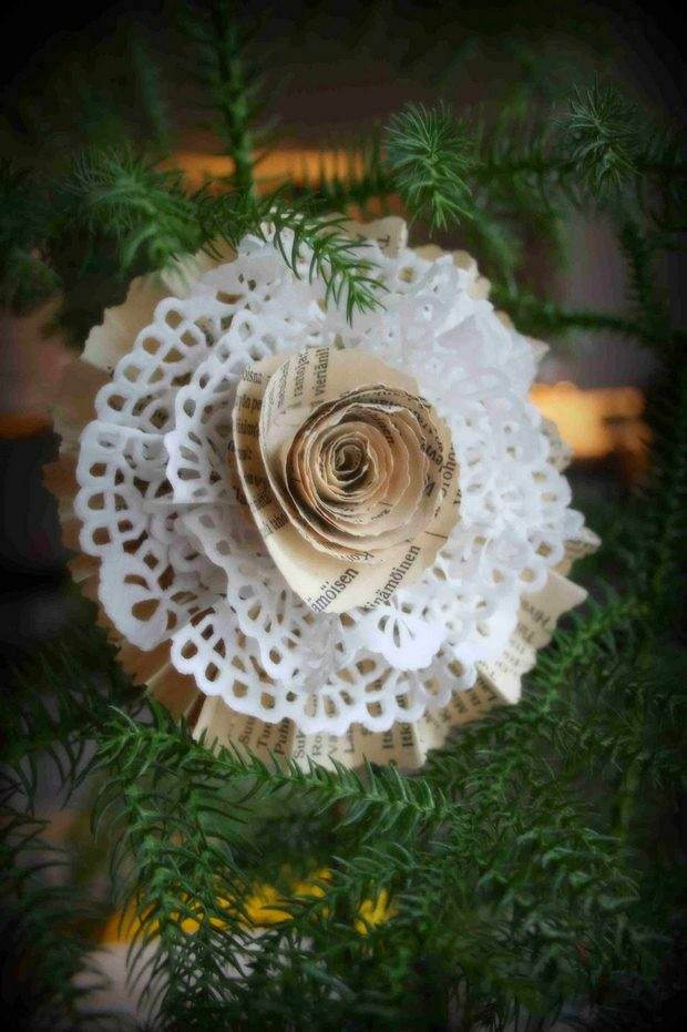 book page christmas ornaments white diy snowflake paper rose upcycling idea