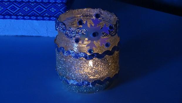 glass jar christmas crafts luminaries blue gliter ribbons creative decor ideas