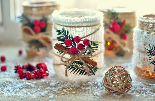 glass jars christmas crafts diy burlap cranberries cinnamon ribbons upcycled creative decoration ideas for table with