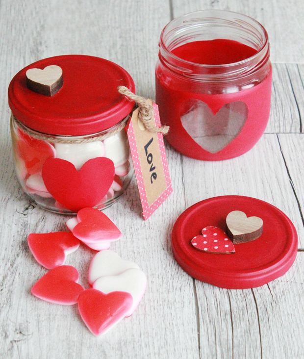 valentine's day crafts gift idea red paint stencil candy candle holder