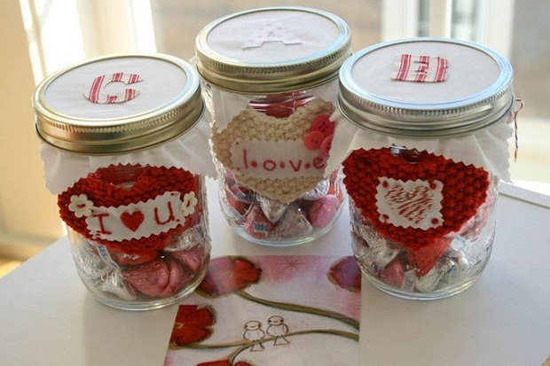 valentine's day crafts mason jars hersheys kisses crochet hearts button decorations