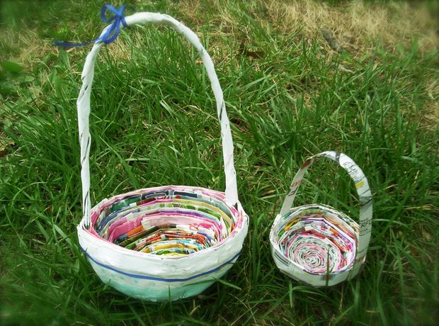 easter egg decorating ideas diy basket old newspaper green grass upcycled crafts