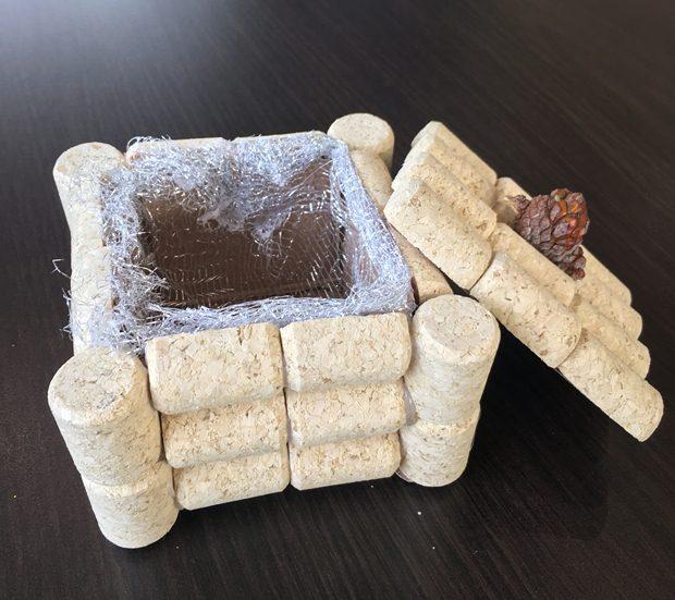 wine corks kids crafts small box jewelry gift organza cardboard open lid