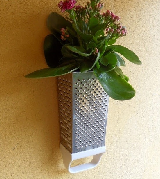upcycle cheese grater wall hanging flower vase creative idea