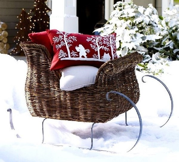 repurposed christmas pillows outdoor decorations ideas