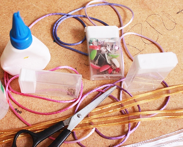 uses for empty tic tac containers organizing ribbons and jewelry making supplies